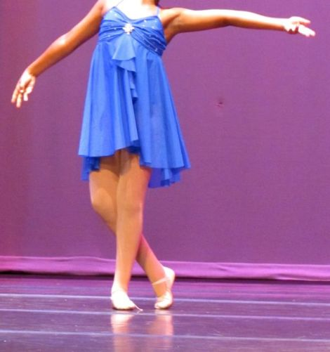 Image of girl dancing contemporary dance