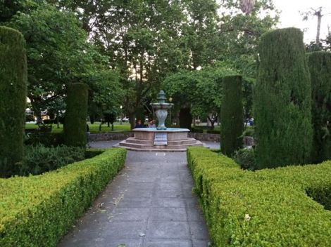 Image of beautiful park in downtown Sonoma